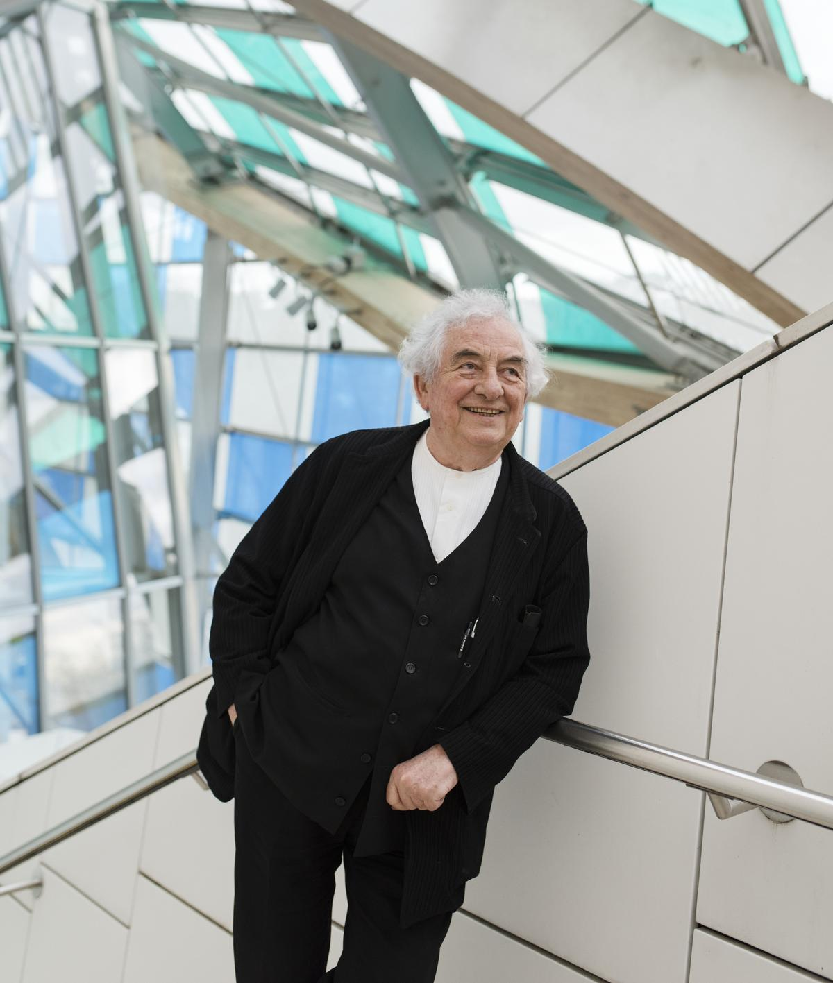 French conceptual artists Daniel Buren often explores colour and mirrors in his work / Fondation Louis Vuitton