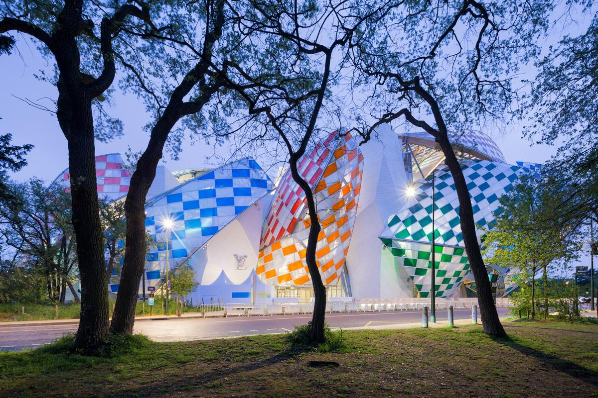 The filters will remain in place between 11 May and the end of 2016 / Iwan Baan / Fondation Louis Vuitton