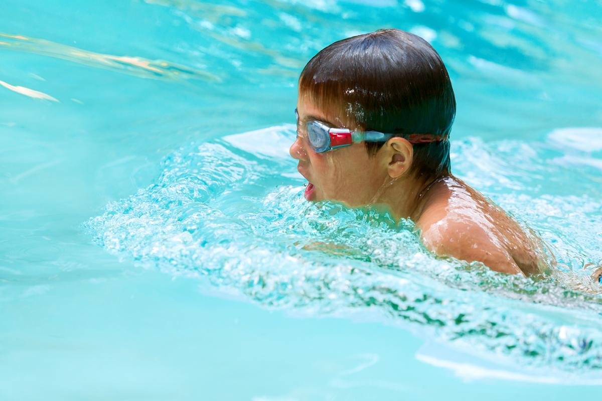 The commission will investigated the physical and mental effects swimming has on the population / karelnoppe/Shutterstock.com