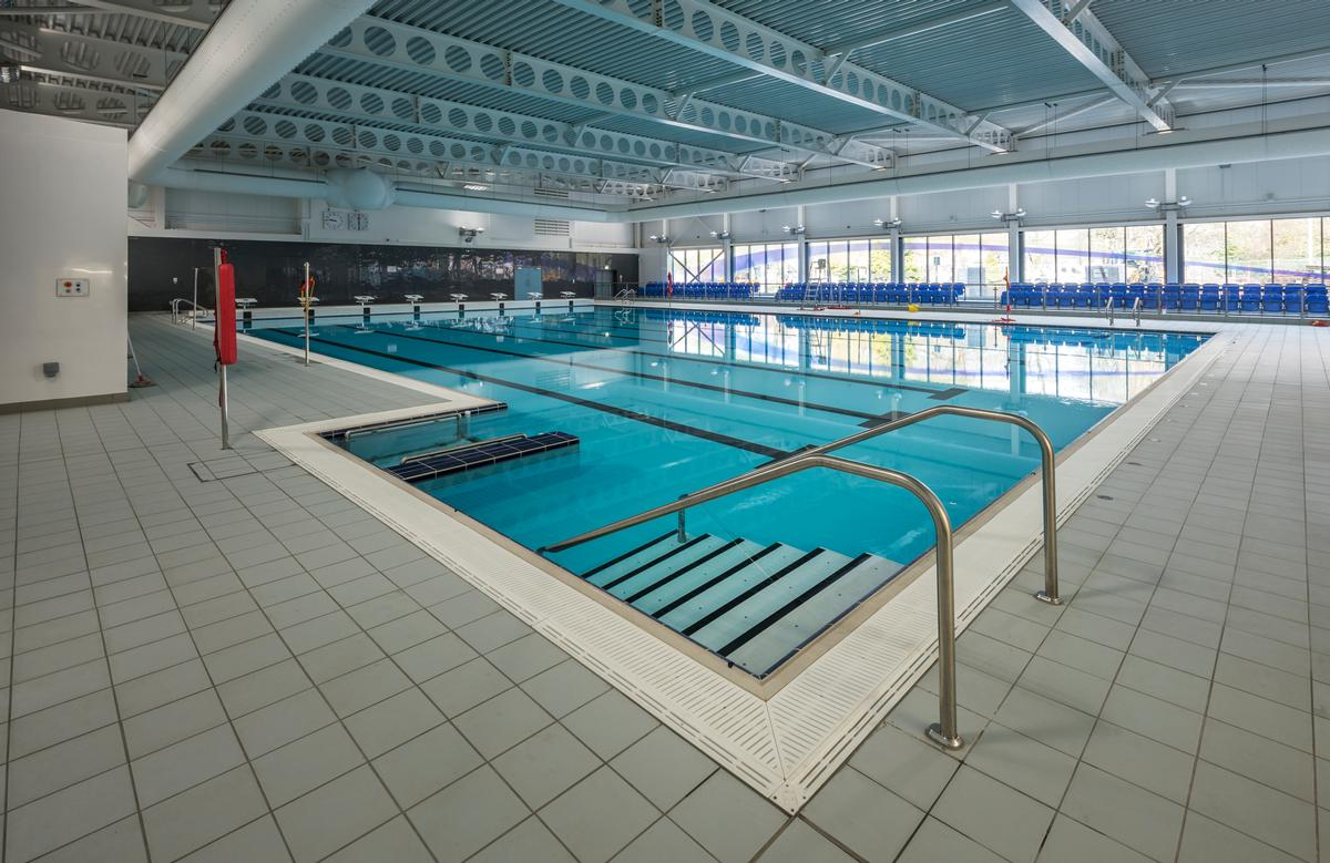 The leisure facilities are managed by leisure trust Everybody Sport and Recreation and include a 25m (82ft), eight-lane swimming pool