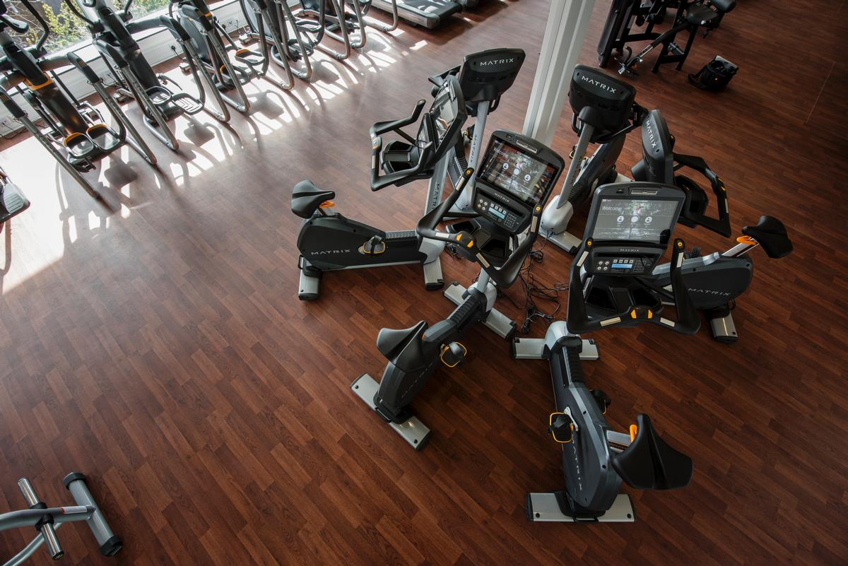 The 100-station fitness suite is equipped by Matrix Fitness and features the 7Xi range of CV equipment