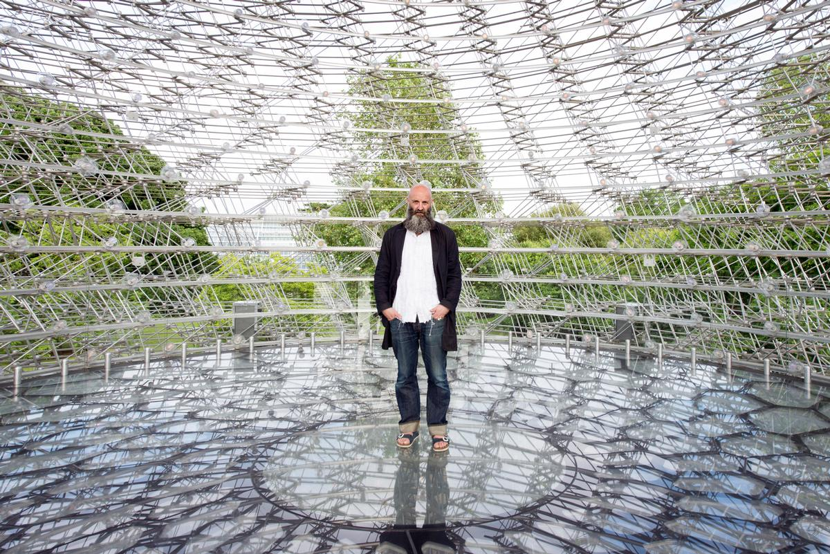 The Hive is the creation of designer Wolfgang Buttress / Jeff Eden, RBG Kew