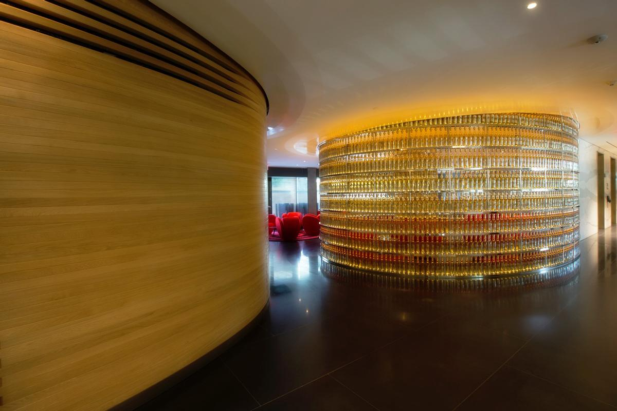 Artis Design Arad : Hotel at heart of watergate scandal reopens after ron arads us$125m