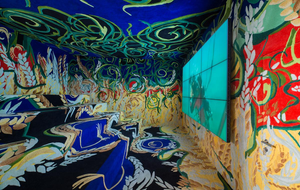 """The colourful room"" is intended to create a feeling of walking through a seabed / Museum of Apoxyomenos"