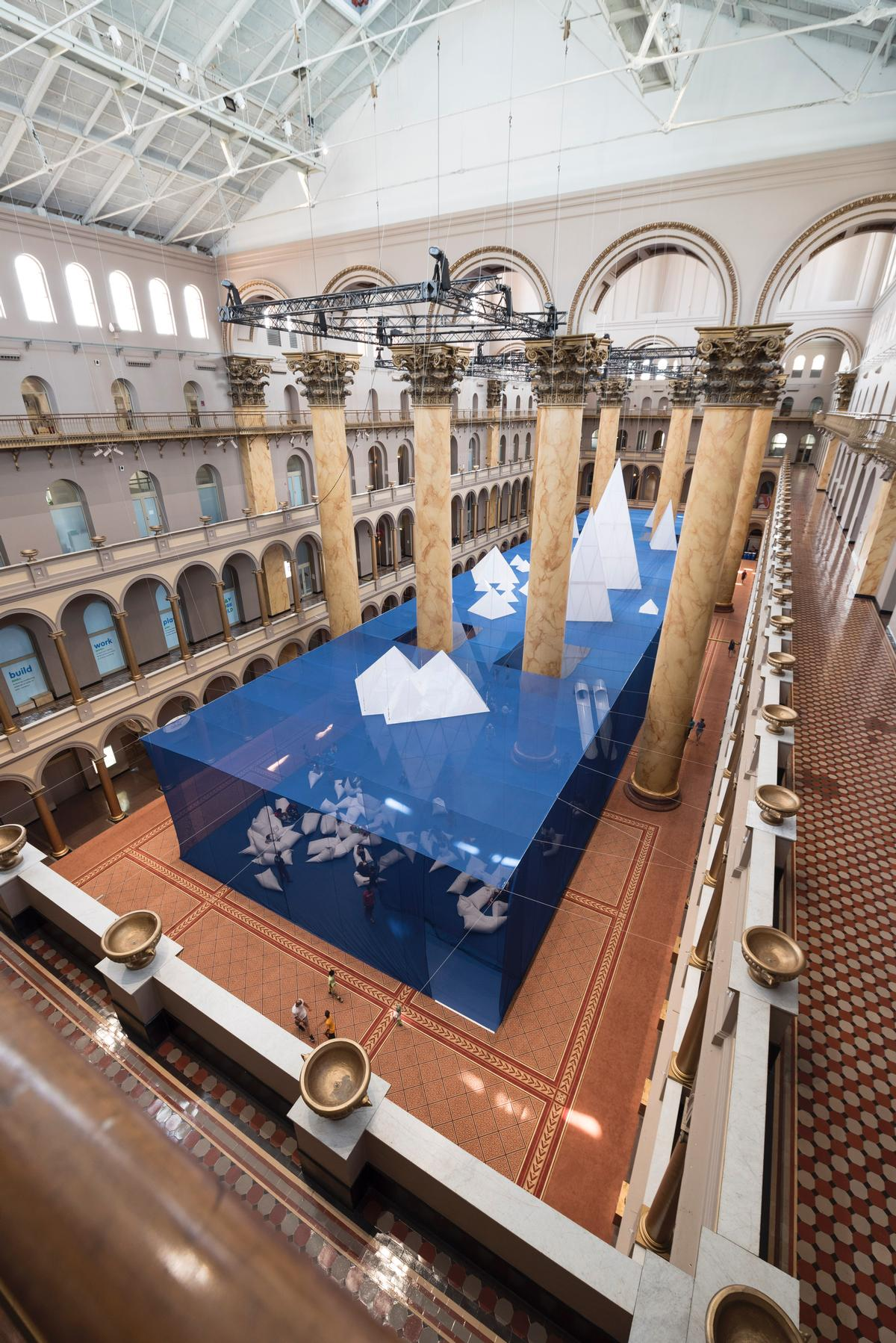 ICEBERGS occupies an area of 12,540sq ft (1,100sq m) in the museum's Great Hall / Timothy Schenck