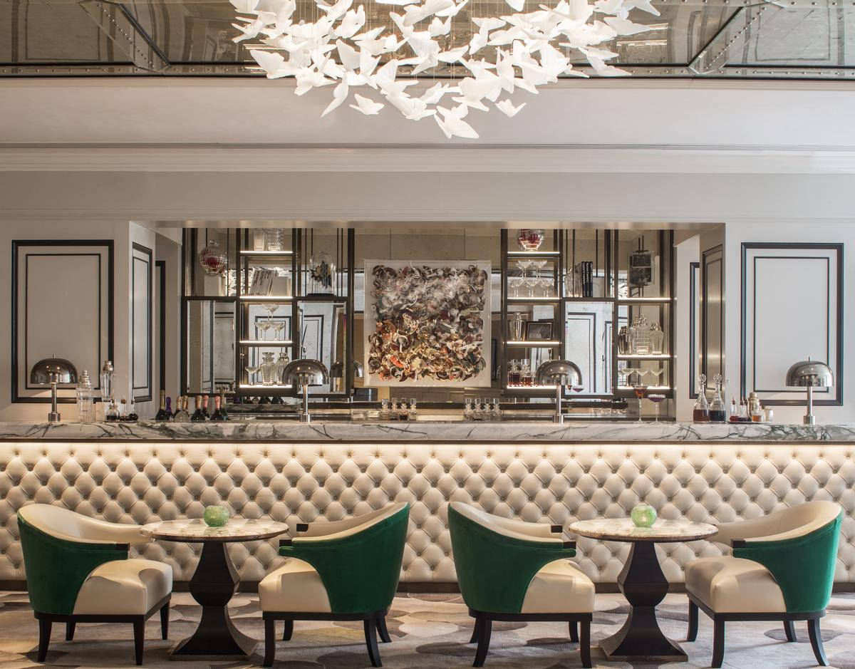 The designers have highlighted the hotel's taste for the theatrical / Grosvenor House Hotel