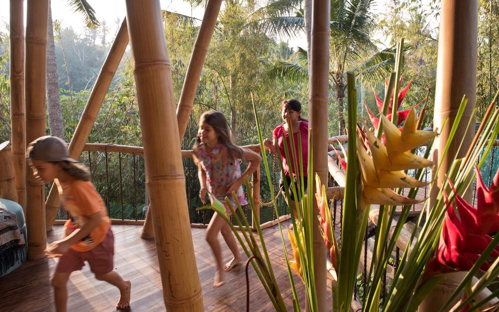 Leaf House at the Green Village Bali, is a weloming family home / Photo: IBUKU/Rio Helmi