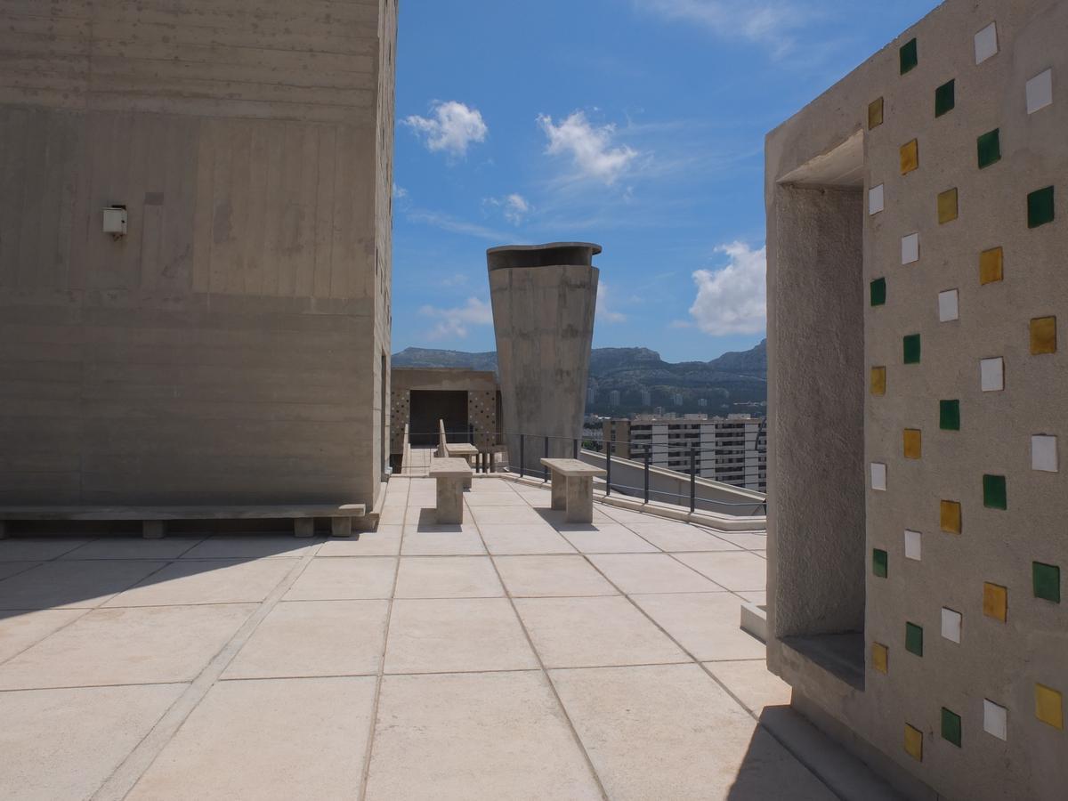 Rooftop, UH, Marseille / FLC/ADAGP