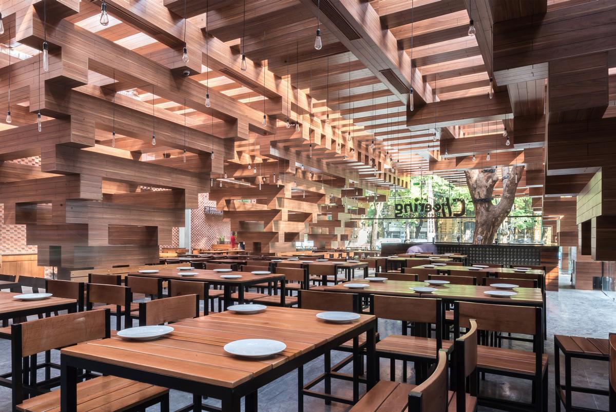 Cheering Restaurant in Vietnam by HP Architecs / Nguyen Tien Thanh