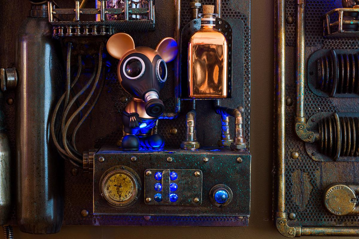 A mice carefully dutifully guards Henry Chebaane's time machine installation / Flora Indica