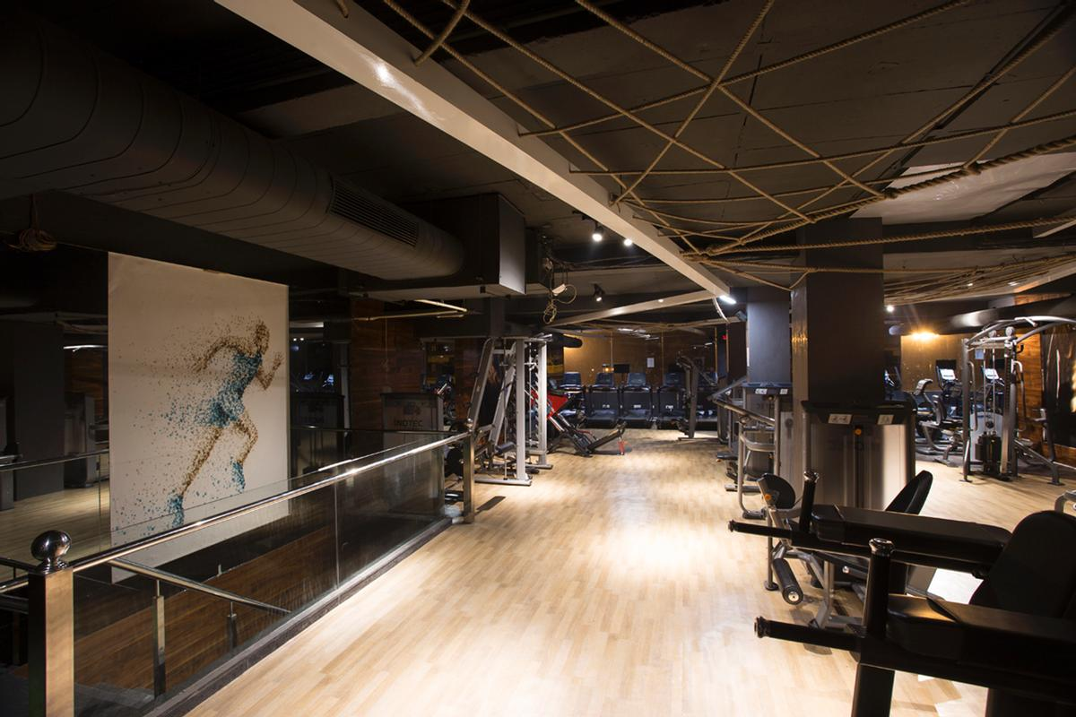 According to the architects, the Pro Fitness Gymnasium was 'born from the idea that a health club can be both individualistic and practical' / Purnesh Dev Nikhanj