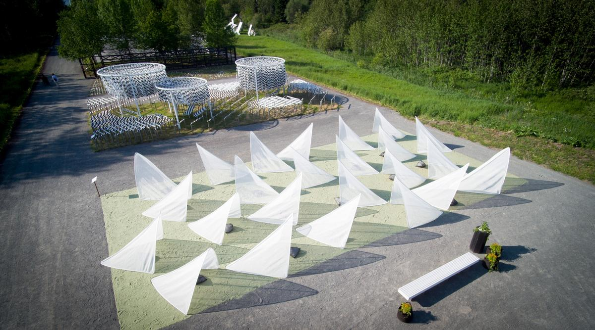 TiiLT by SRCW is a collection of 24 tents that may be moved 'like a school of fish' / International Garden Festival