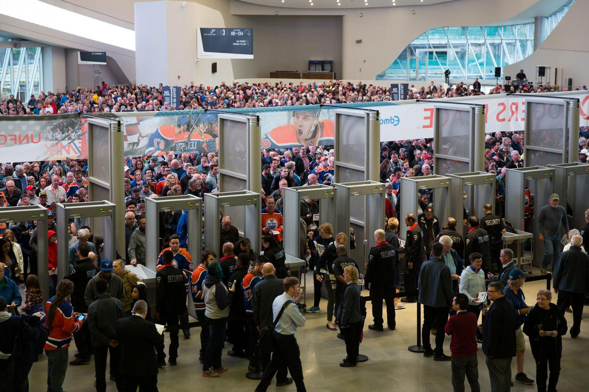 Over 60,000 fans flocked to see the arena for the first time on 10 Septemer / Marko Ditkun/Edmonton Oilers