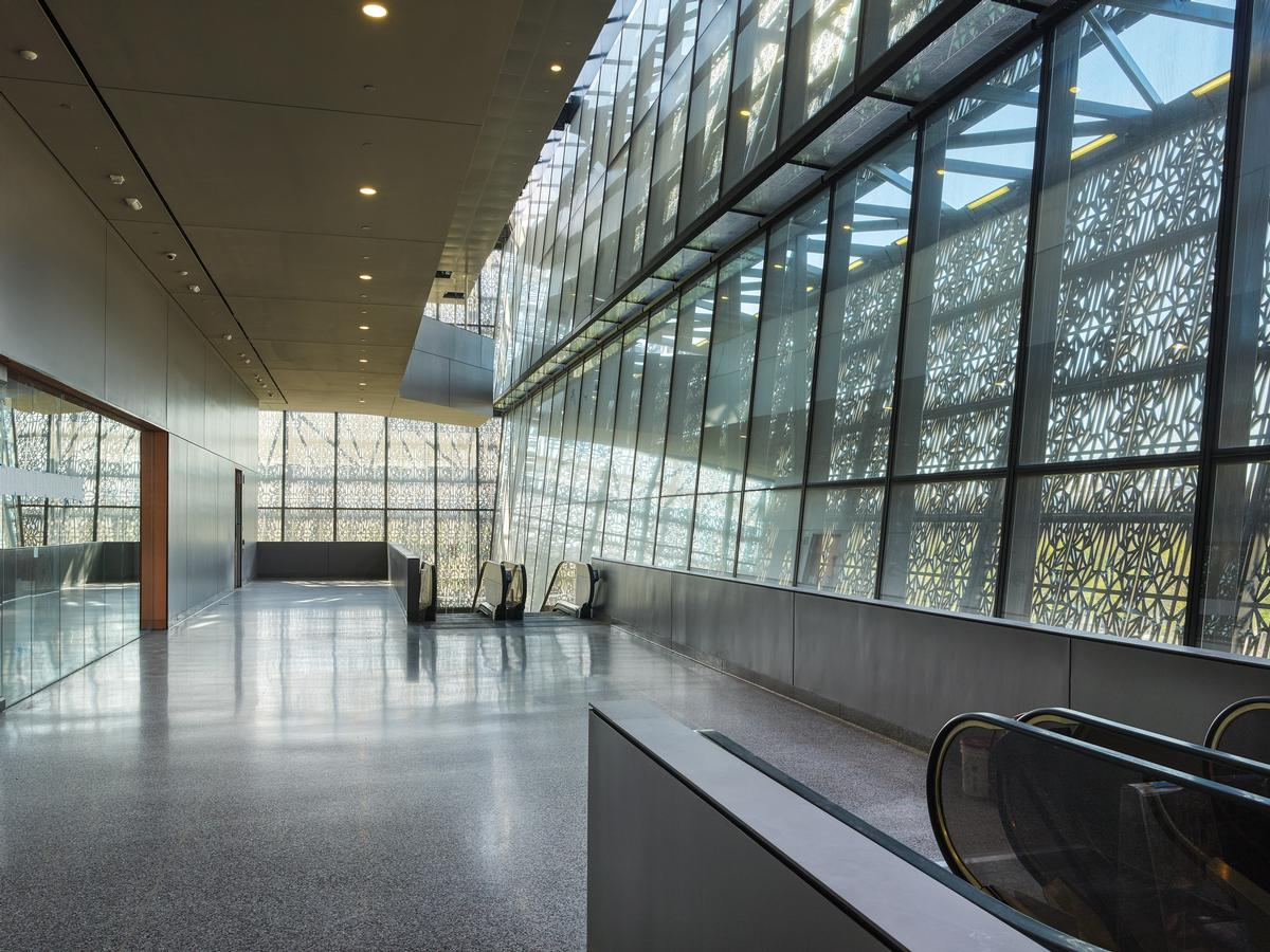 The nine-story building features exhibition galleries, an education centre, a 350-seat theatre and a café / Alan Karchmer/NMAAHC