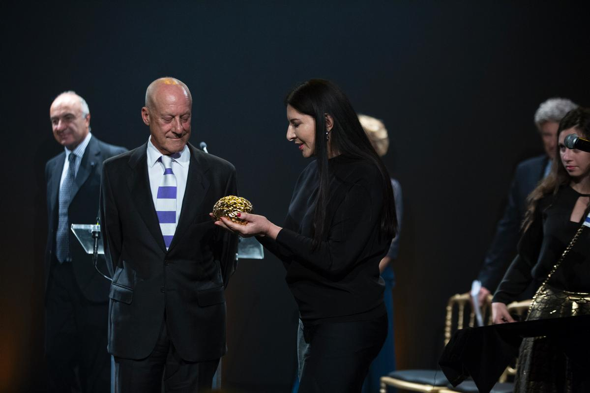 Foster was awarded the prize by the Friends of the Hebrew University for his cultural and humanitarian works / David Vexelman