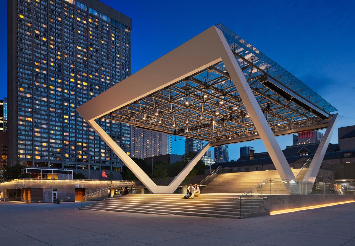 The canopy roof can withstand the weight of four elephants / Perkins + Will
