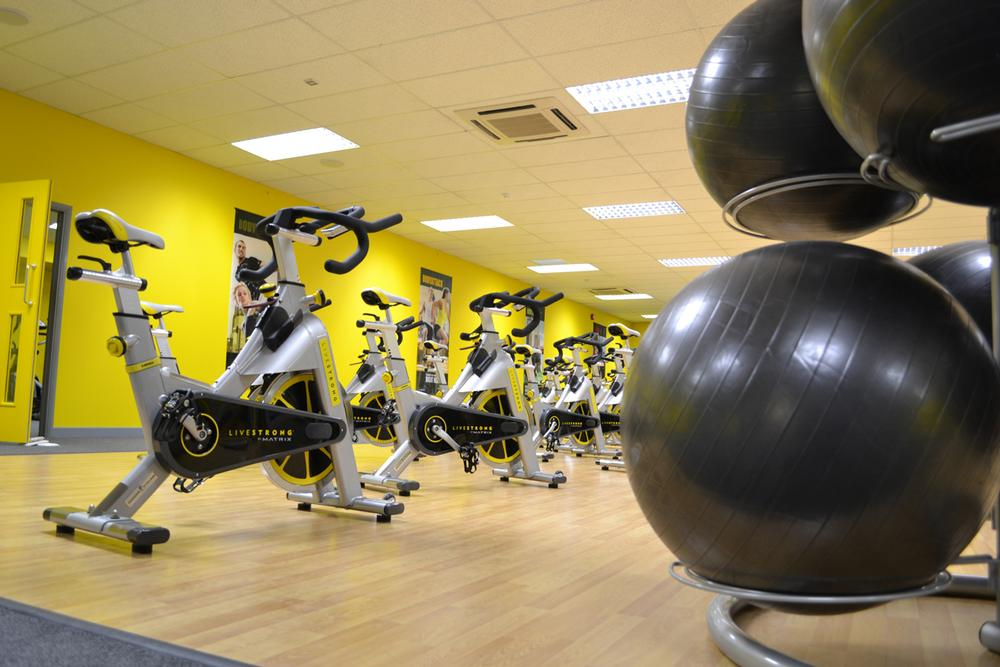Xercise4Less clubs typically offer 400 stations of CV and resistance equipment alongside a large studio with a full class programme