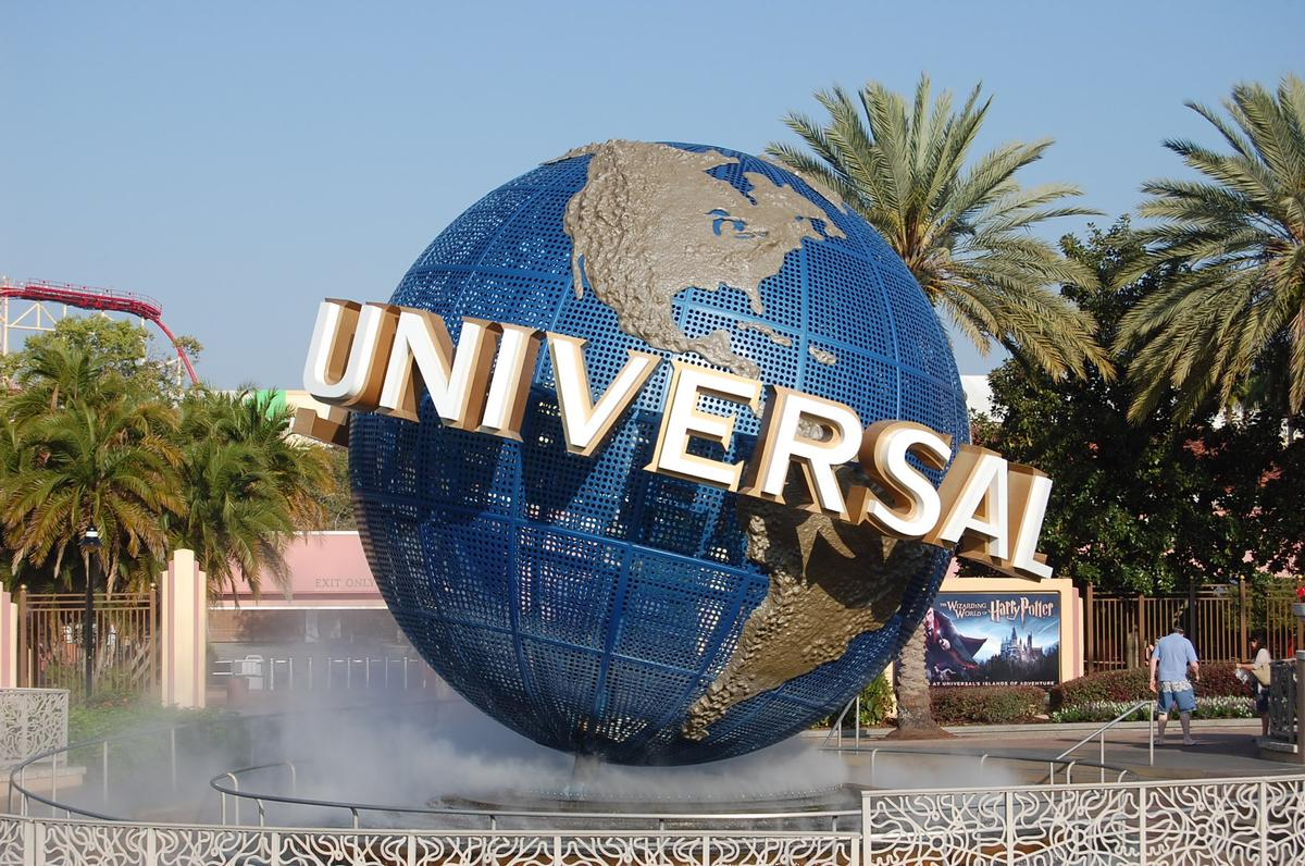 Dubai Holding and Universal Studios Theme Parks and Resorts have both pulled out of the project