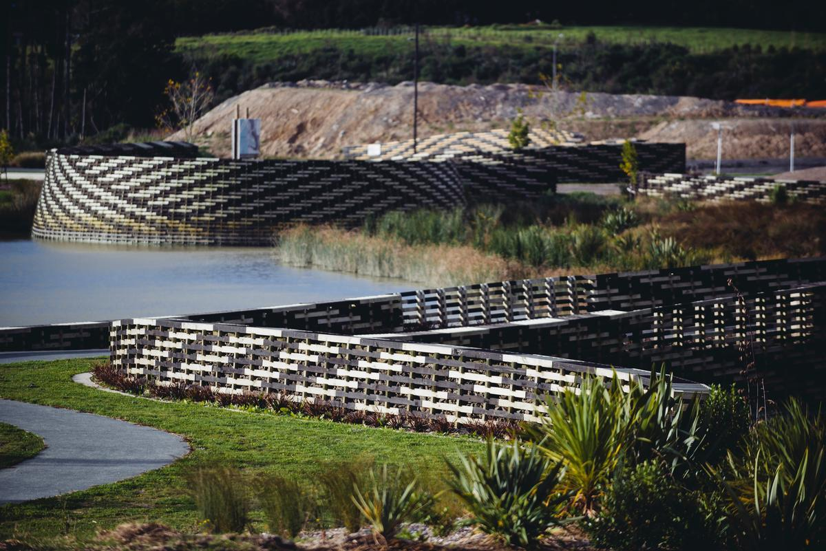 The World Landscape of the Year prize was awarded to New Zealand firm Isthmus Group for the Kopupaka Reserve in Auckland / WAF
