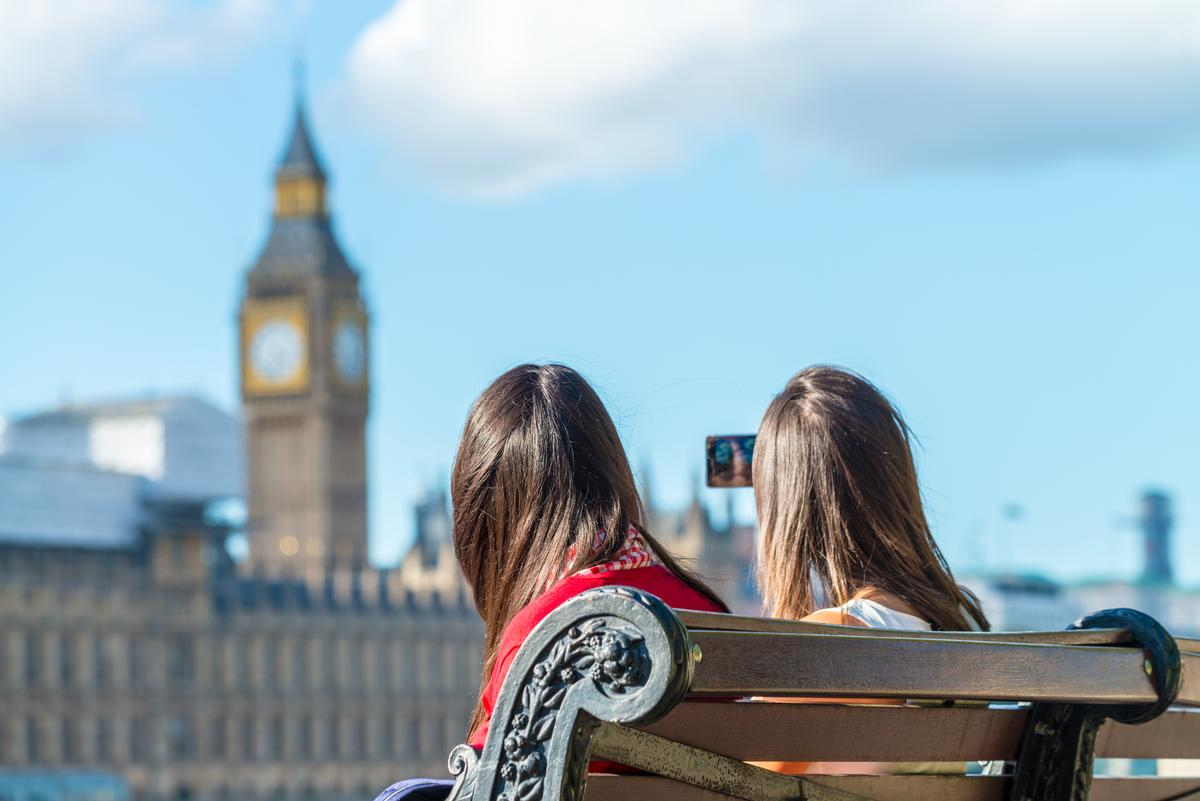Post-Brexit analysts predicted an influx of overseas tourists thanks to a weakened pound / Shutterstock.com