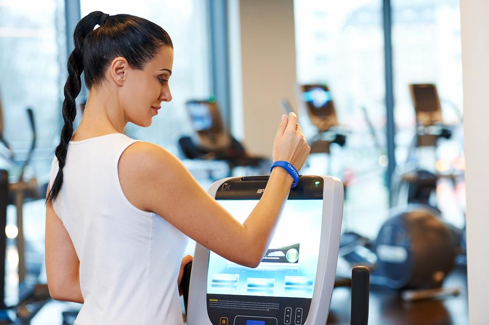 The GANTNER RFID wristband can be configured to give access to a member's workout plan / PHOTOS; Shutterstock.com