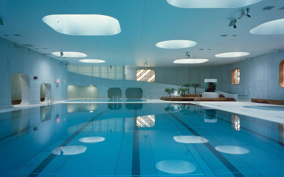 Studio Mikou's Feng Shui-inspired pool / Hélène Binet