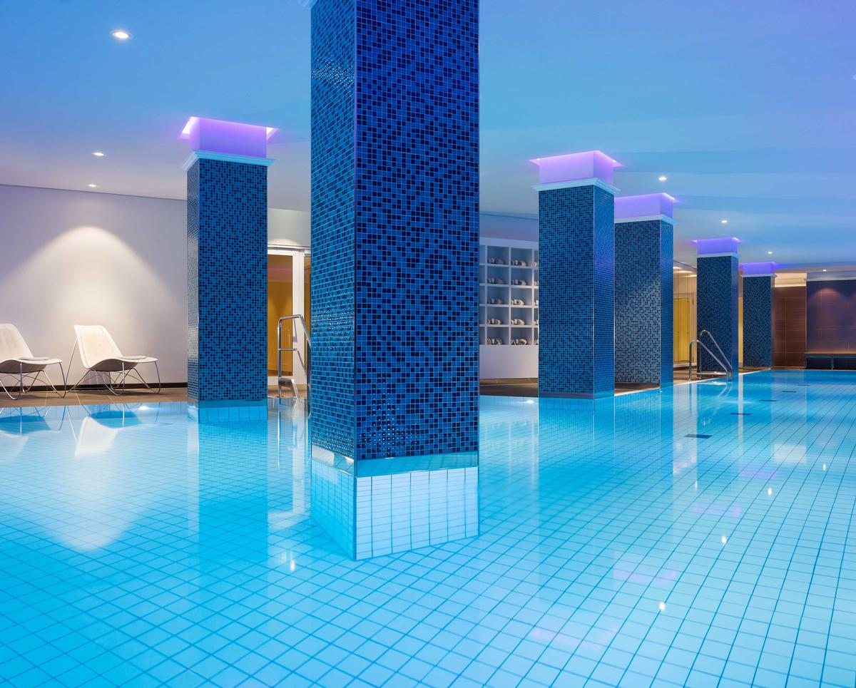 The spa includes a fitness space and a 20m indoor swimming pool said to be the largest hotel pool in Hamburg, as well as a sauna, sanarium and steam bath