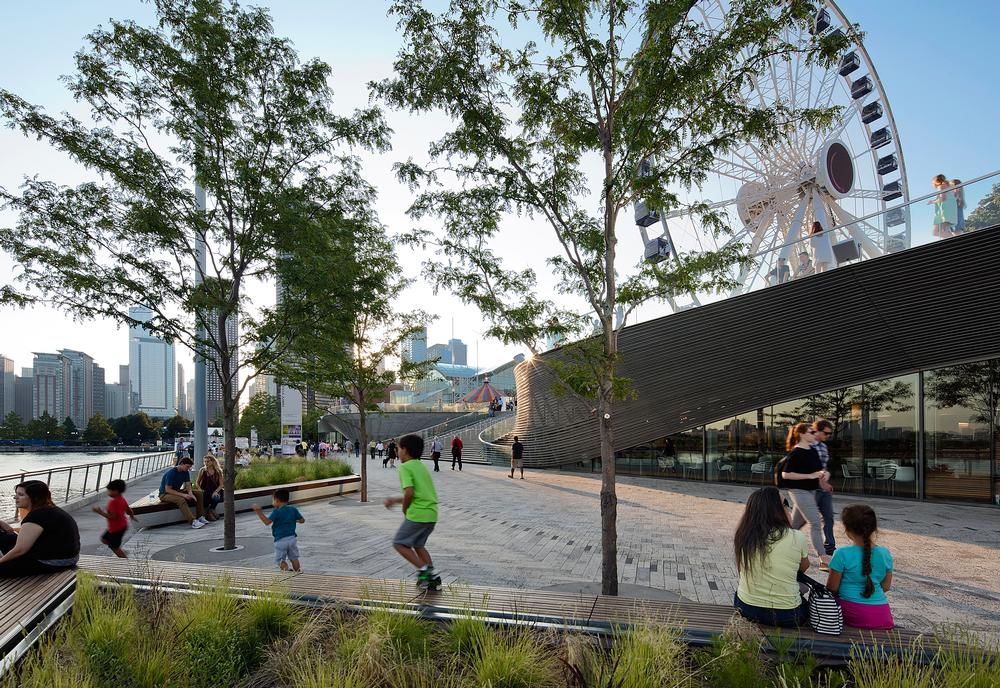 James Corner Field Architects are part of the team behind the revamp of Chicago's Navy Pier / Images courtesy of James Corner Field Architects