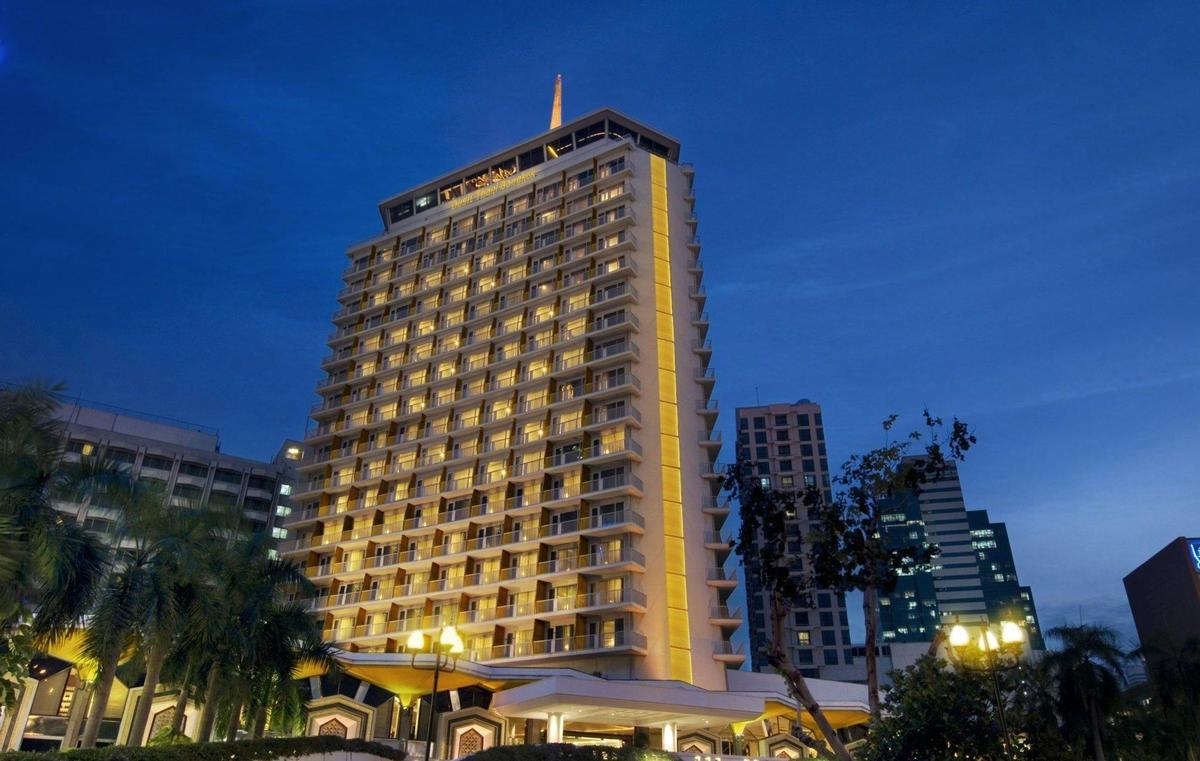 The Dusit Thani Bangkok will be redeveloped to 'elevate its standing as one of the world's renowned hotels' / Dusit Group