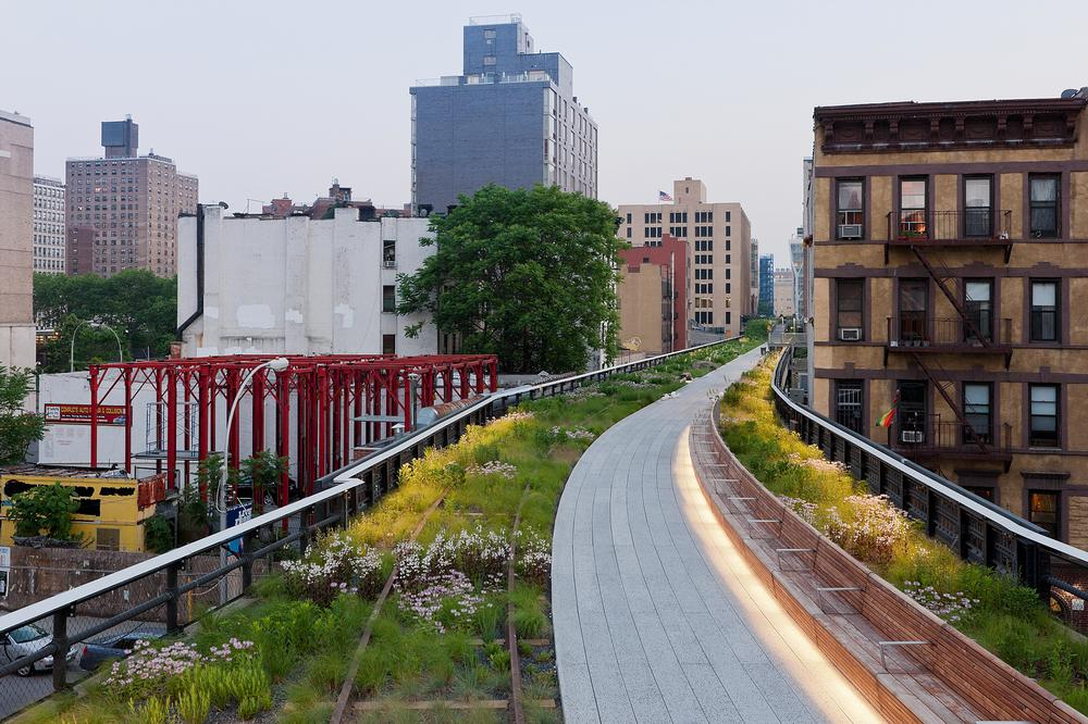 Green in the city: the structure weaves  its way through Manhattan's cityscape / Photo: © IWAN BAAN