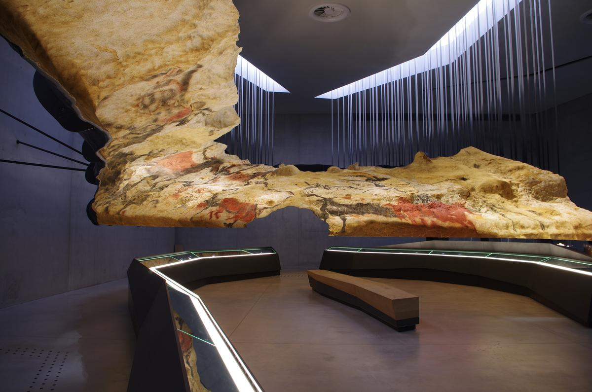 Four linked exhibition rooms, including a 3D theatre, attempt to explain the environmental and cultural context that paved the way for the creation of the cave art