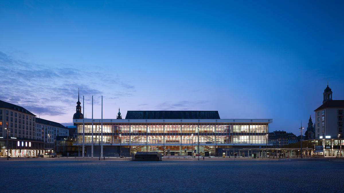 In addition to the new concert hall, the practice have also designed a new 5,463sq m central library and cabaret hall within the building / Christian Gahl