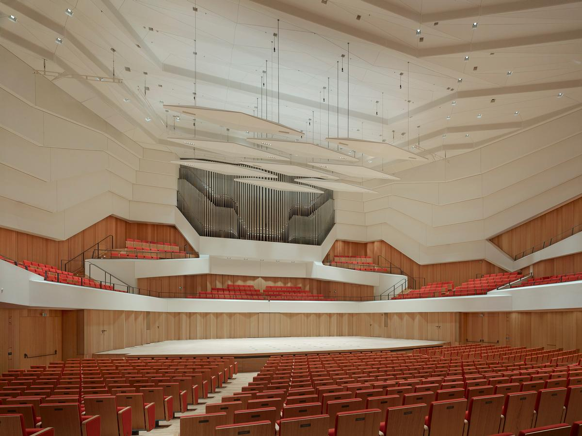 A concert organ with 55 registers dominates the space and will be used by the Dresden Philharmonic Orchestra / Christian Gahl