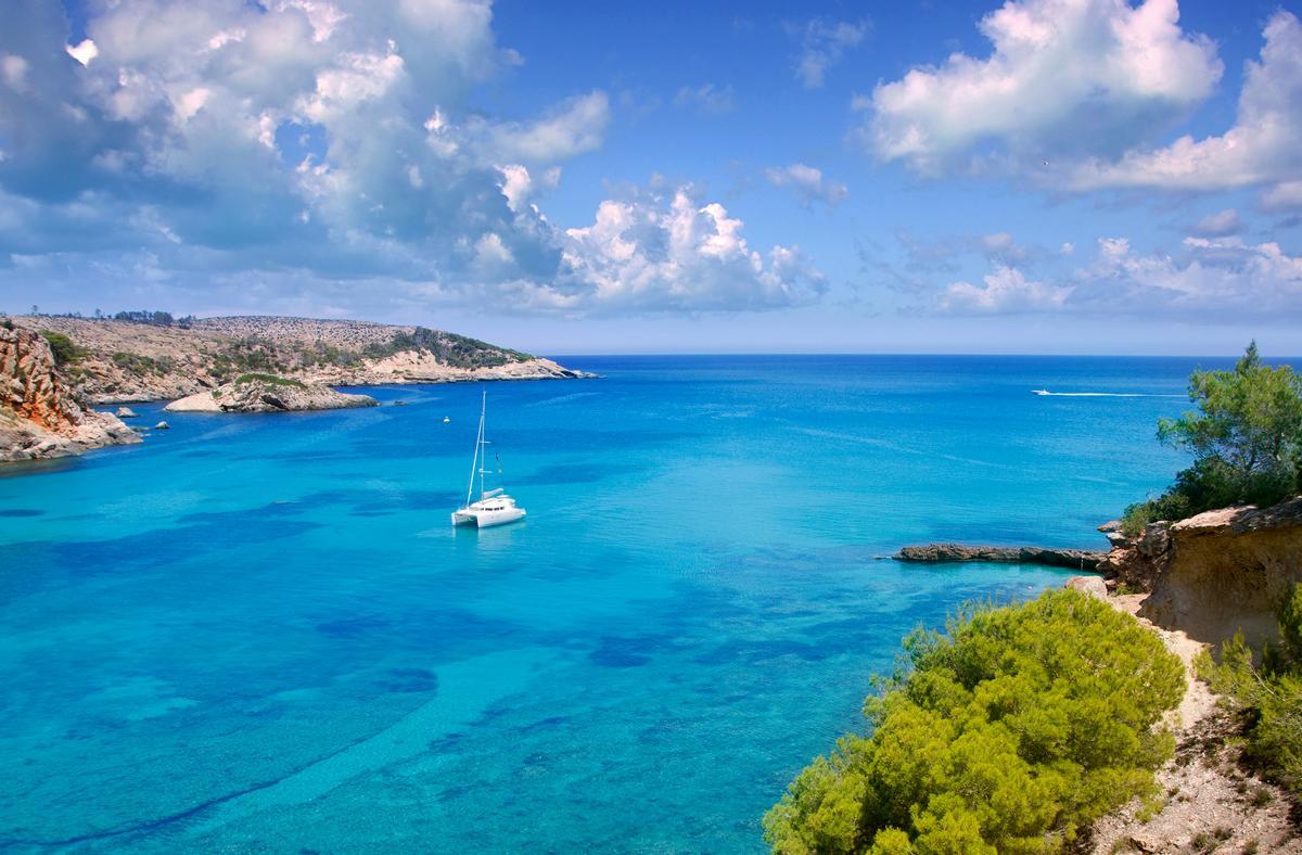 The resort is set to open in 2020 and will overlook the Cala Xarraca Bay / Six Senses