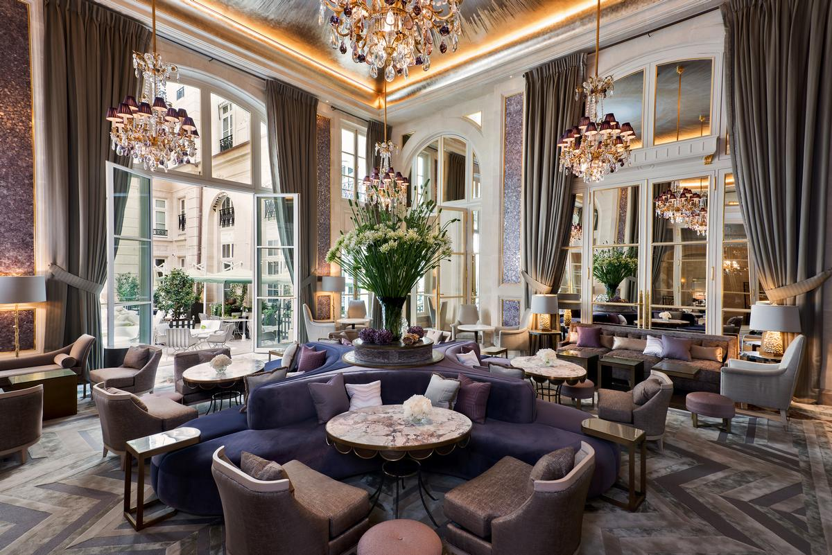 Peggy Guggenheim, Charlie Chaplin, Sir Arthur Conan Doyle, Andy Warhol, Leonard Bernstein and Madonna are among the famous names who have stayed at the hotel