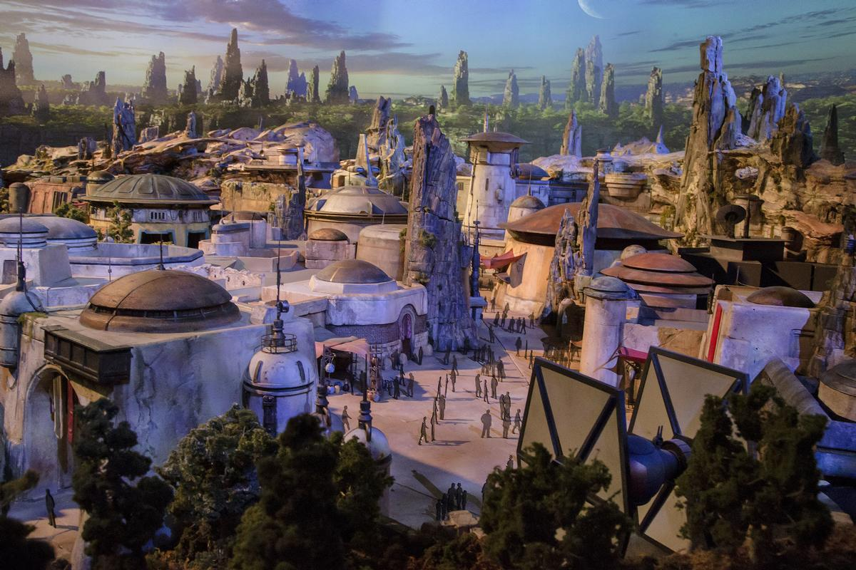This is the largest ever Star Wars themed attraction to be developed / Disney Parks