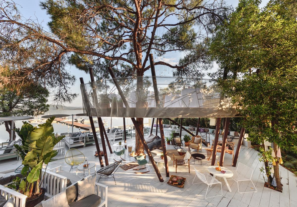 Treehouse Restaurant Made From Beach Materials Opens At Secluded Greek Resort Architecture And Design News Cladglobal Com
