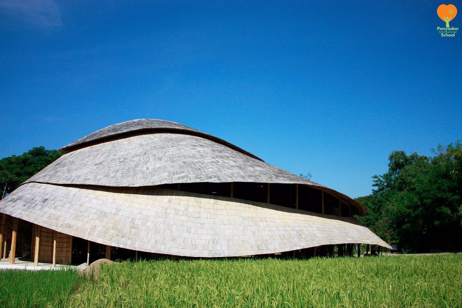 A lotus flower has inspired the form of the new sports facility / Chiangmai Life Construction