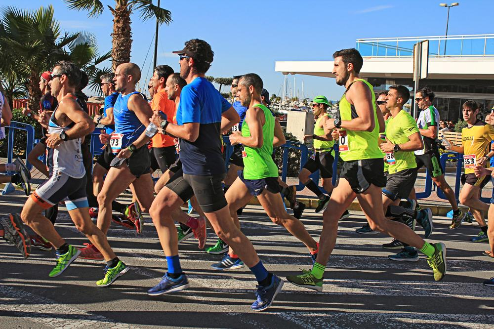 Runners take part in the Santa Pola half marathon in Alicante, Spain / PHOTO: SHUTTERSTOCK.COM