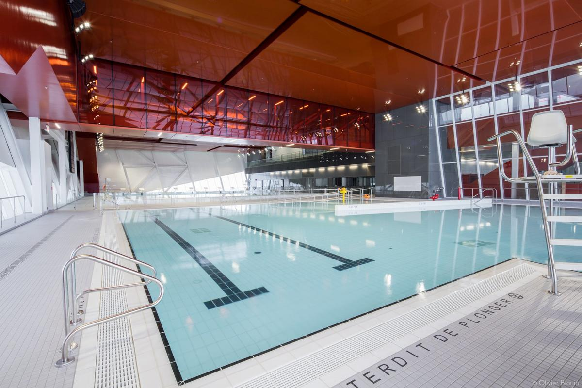 The facility houses an indoor football pitch, two swimming pools, a gymnastics palestra and a multi-purpose events hall