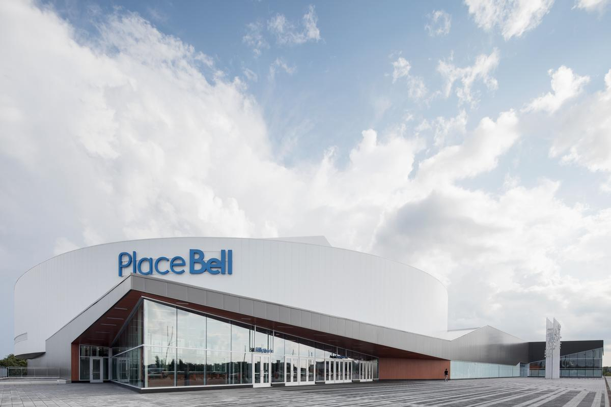 The venue can be transformed rapidly into an amphitheatre capable of hosting major concerts and theatrical shows, such as Cirque Du Soleil