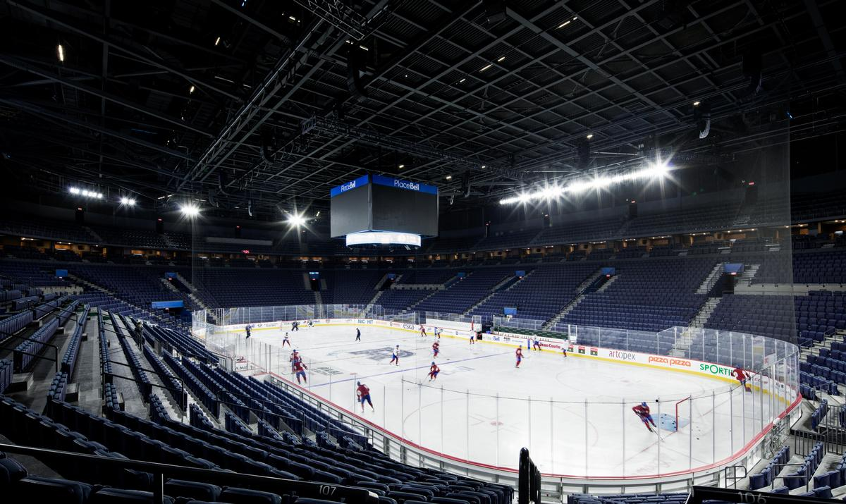 The arena features a 10,000-seat arena, a 2,500-seat Olympic speed and figure-skating arena and a regular, 500-seat skating rink