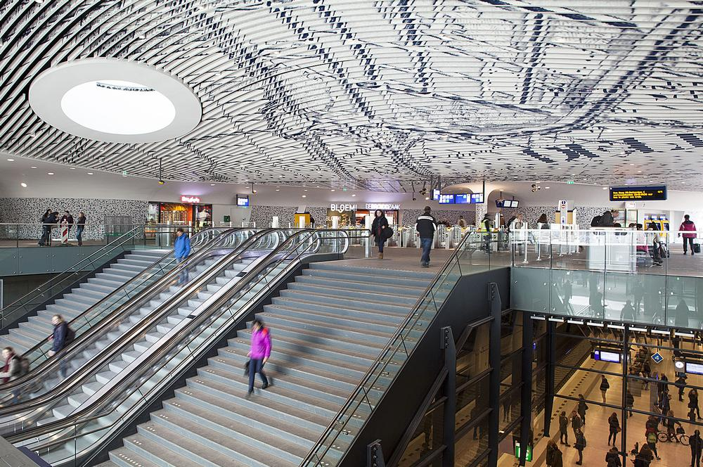 Delft's new station hall features a dramatic vaulted ceiling