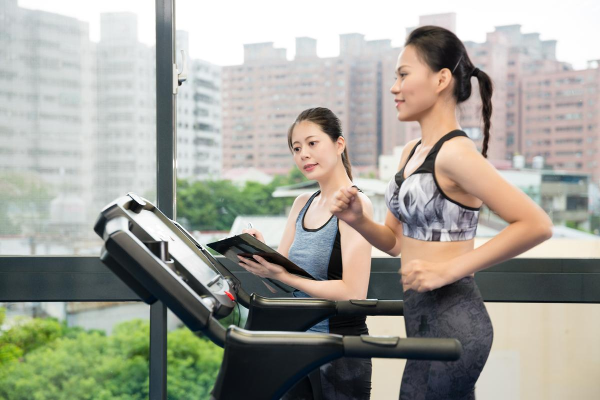 A third of fitness professionals are considering or have considered leaving the sector, according to the new report from ukactive / Shutterstock