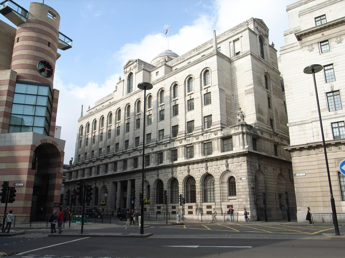 The hotel's name honours the building's original architect, Sir Edwin 'Ned' Lutyens, and many of the original design features from the 1920s and 1930s have been retained / Wiki Commons