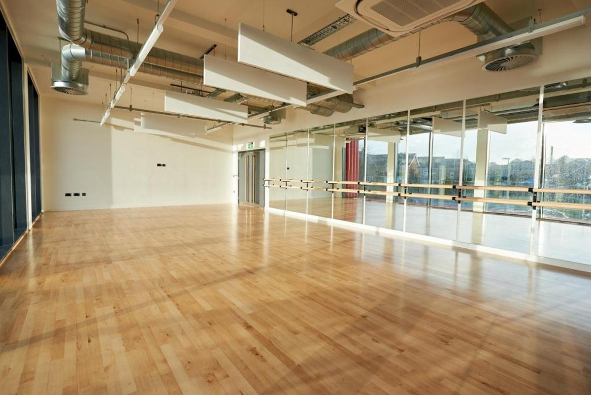 The new dance and fitness studio will be available to students and will offer barre classes to the community in Harrogate / Ashville College