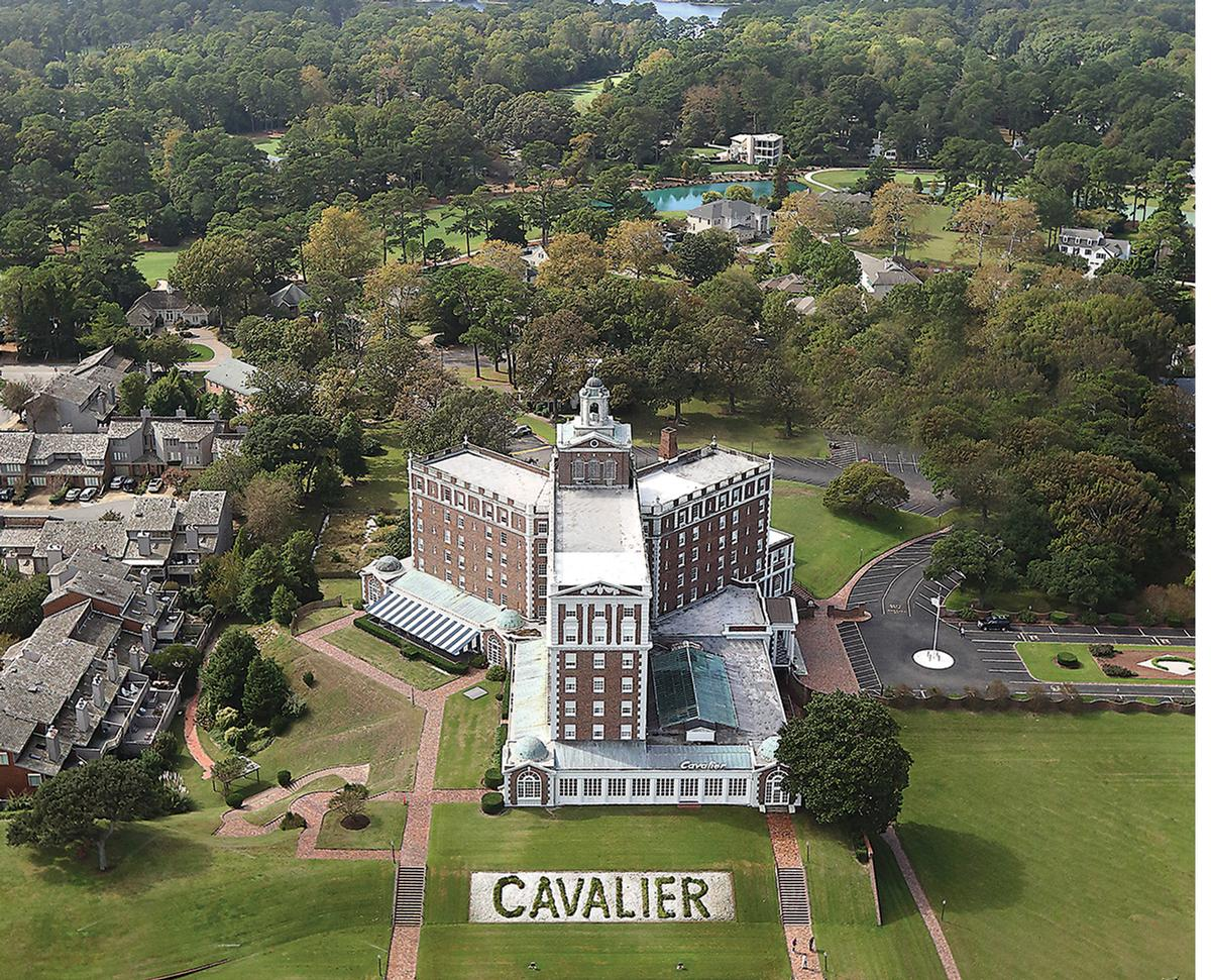 The hotel was inspired by Thomas Jefferson's Monticello estate and built in 1927 / The Cavalier