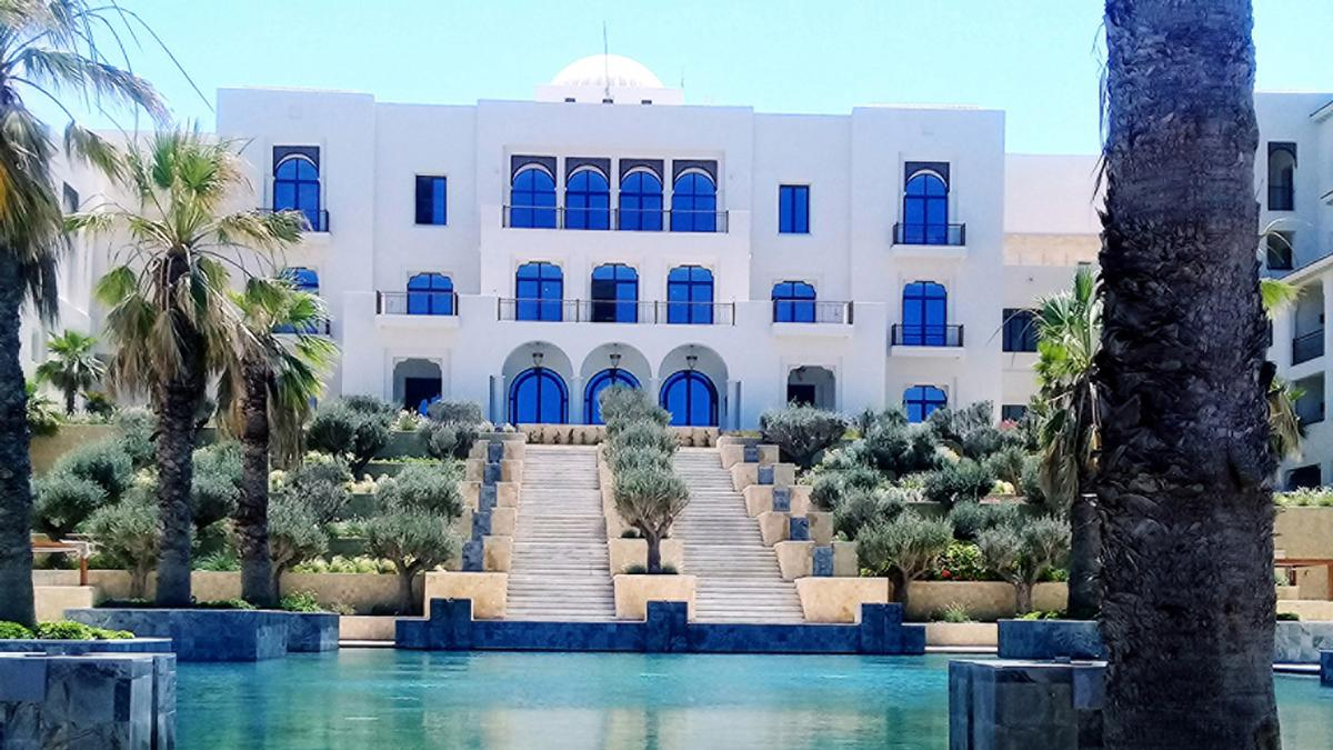 Perched Along The Hillside Of Gammarth Hotel Combines Contemporary Arabesque Architecture And Mediterranean Influences Four Seasons