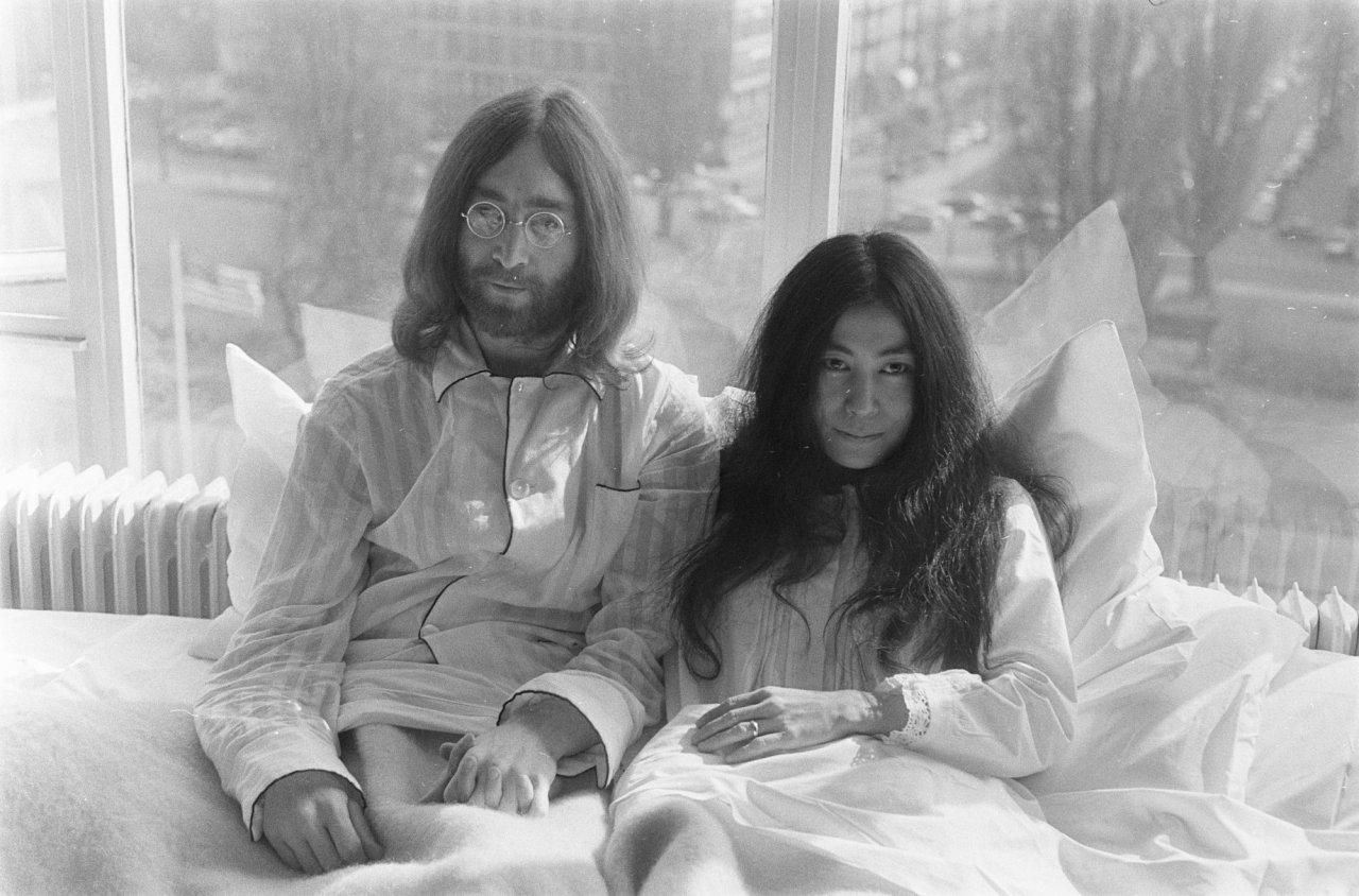 The Montreal Hotel Suite Where John Lennon And Yoko Ono Held Their Iconic Bed In Protest May 1969 Has Been Redesigned To Celebrate 2017s International