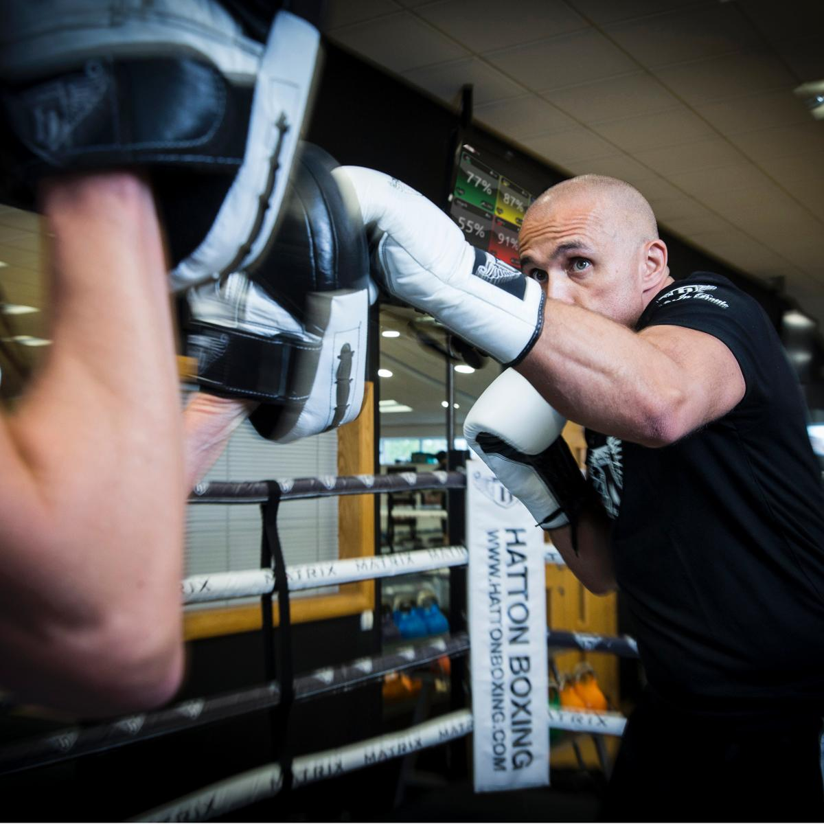 The agreement will see up to 200 training classes available to Myzone's EMEA network / Hatton Boxing